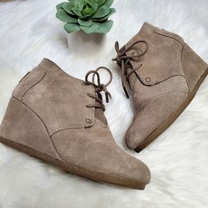 TOMS Taupe Suede Desert Wedge Lace Up Booties 6